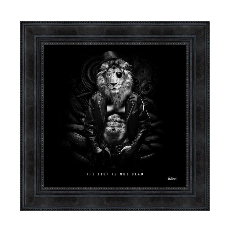 """""""The lion is not dead"""", 49x49 cm, Tableau design Sylvain Binet"""