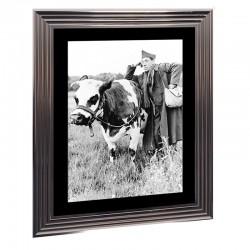 """Image encadrée noir et blanc, """" La vache et le prisonnier,50x70cm"""